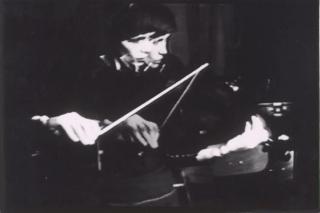 Vasulka-Violin-Power-Video-Still-1-Steina-Vasulka-2016.12.19